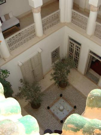 Hotel & Spa Dar Baraka & Karam: View from rooftop into the riad