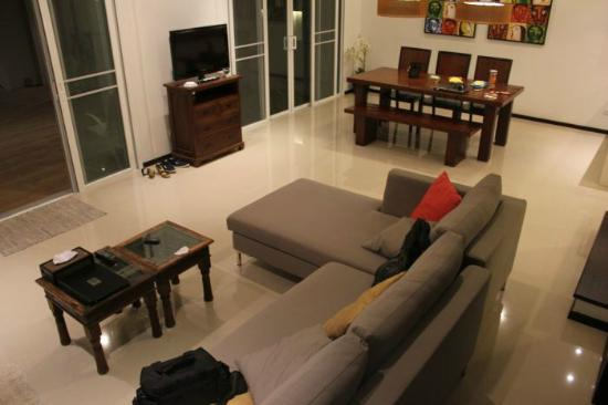 Two Villas Holiday Oriental Style Naiharn Beach: downstairs
