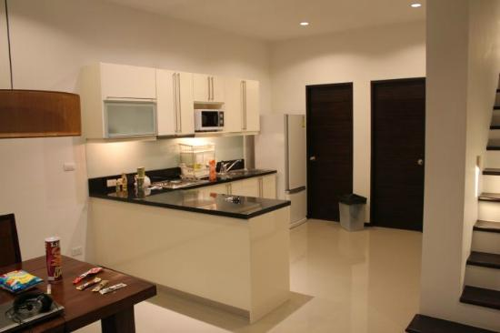 Two Villas Holiday Oriental Style Naiharn Beach: kitchen