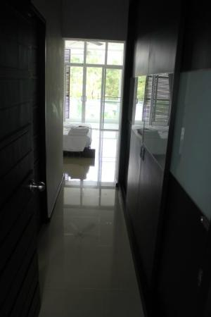 Two Villas Holiday Oriental Style Naiharn Beach: bedroom entrance