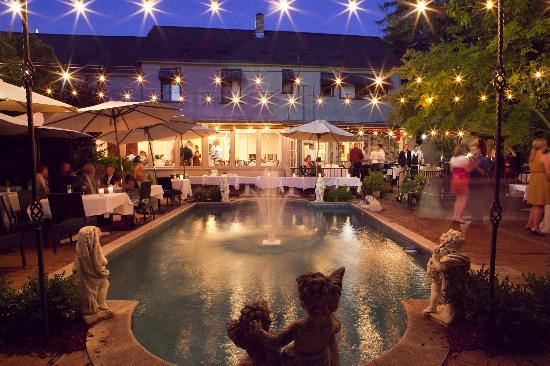 Beautiful Outdoor Wedding Venues Near Me: Depot Hotel Restaurant, Sonoma