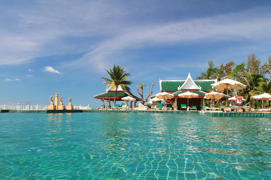 Andaman Princess Resort & Spa: Swimming pool area