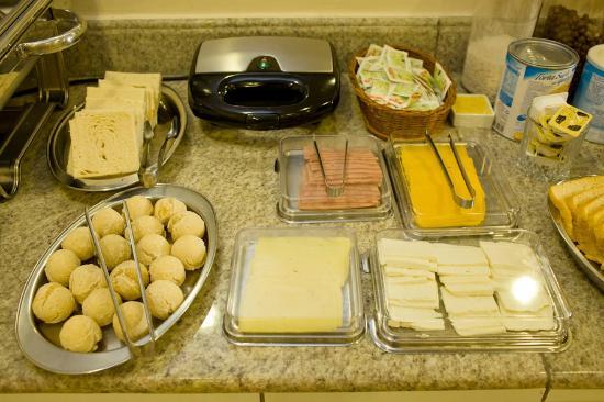 Atalanta Hotel: Café da manhã- uma tortura para quem está de dieta!!!!