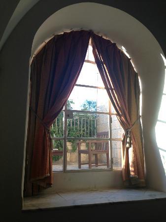 The American Colony Hotel: Private Balcony in Room 114