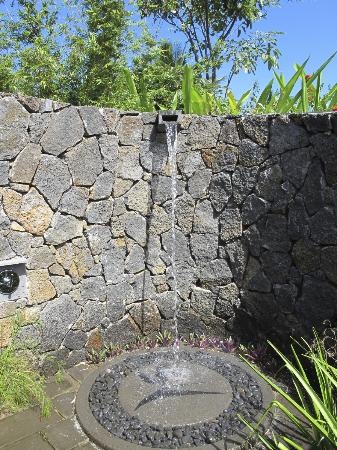 Four Seasons Resort Mauritius at Anahita : Outdoor Shower