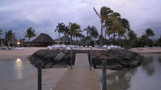 Four Seasons Resort Mauritius at Anahita: Sunrise 5