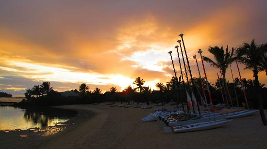 Four Seasons Resort Mauritius at Anahita: Sunrise
