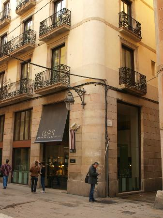 Hotel Ciutat de Barcelona: Hotel entrance
