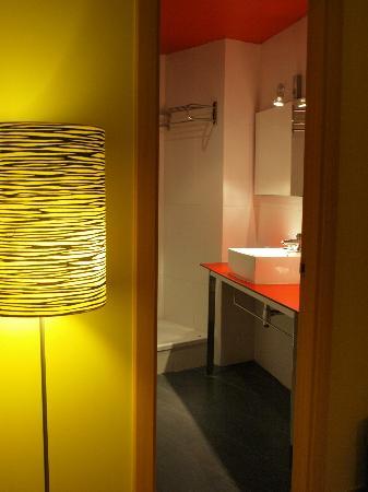 Hotel Ciutat de Barcelona: Room detail 2