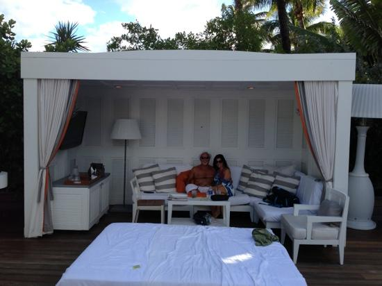 Delano South Beach Hotel: cabana