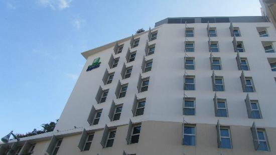 Holiday Inn Express Marseille-Saint Charles: Vista del hotel