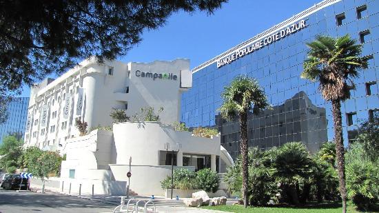 Campanile Nice - Aéroport : widok hotelu