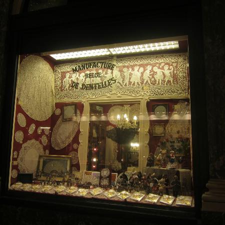 Les Galeries Royales Saint-Hubert: Tiendas de encajes