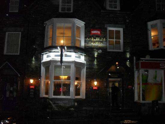 Ambleside Tavern: outside the pub!