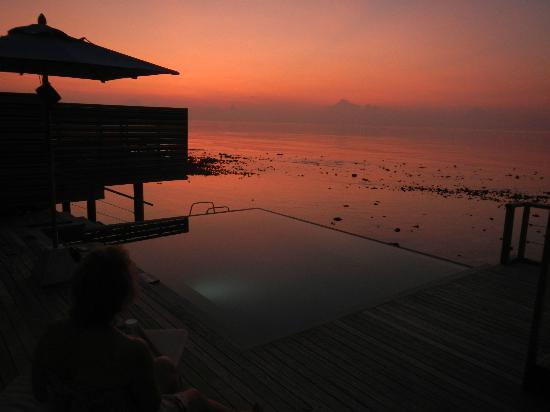 Dusit Thani Maldives: Sunset from 203
