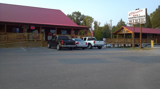 Clint's Smokey Mountain Barbeque: Street view