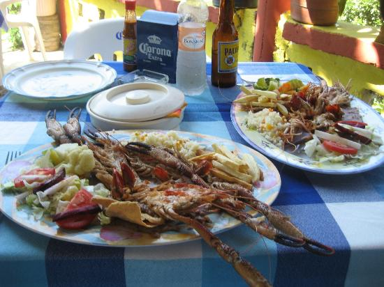 Restaurant el Manguito: fresh langostine from the river