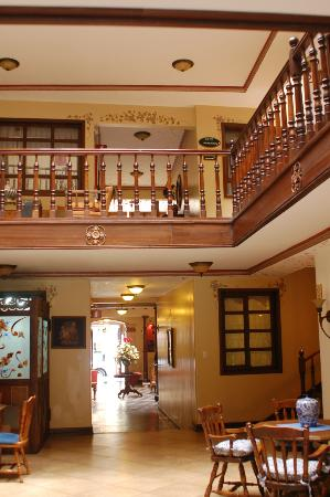 Hotel San Juan Cuenca Ecuador: 3 floors of rooms