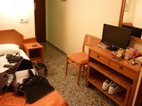 Hotel Celymar: single room interior