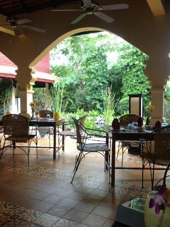 Pavillon d'Orient Boutique-Hotel: restaurant area