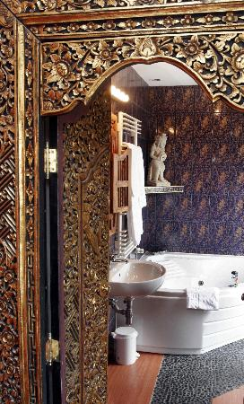 Brussels Welcome Hotel: salle de bain Bali