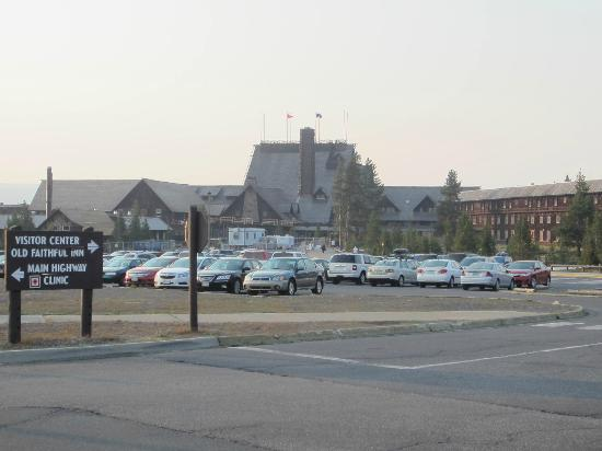 Old Faithful Inn: The section to the right is the East wing