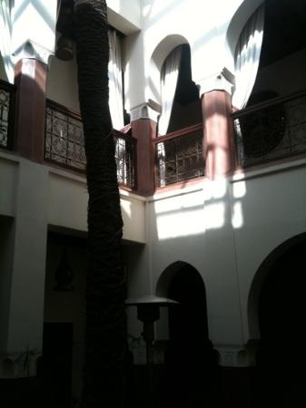 Zamzam Riad: central courtyard