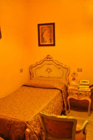 Villa San Lorenzo Maria Hotel: Single Room