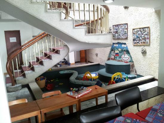 """Hotel Las Palmas: """"Legeland"""" - her kan ungerne sikkert lege med lego og, hvad der nu ellers er at lege med."""