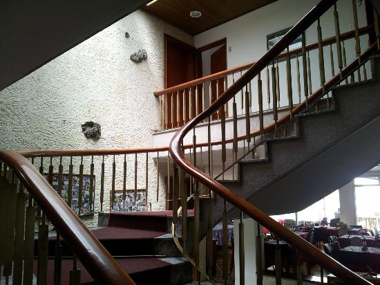 Hotel Las Palmas: Trappen op til værelserne.