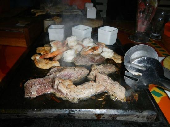 Ramon's Village Resort: Steak on a Stone Dinner at Pineapples
