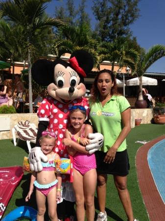 Green Garden Resort & Suites: my daughter with Paris n rhusso fab lady
