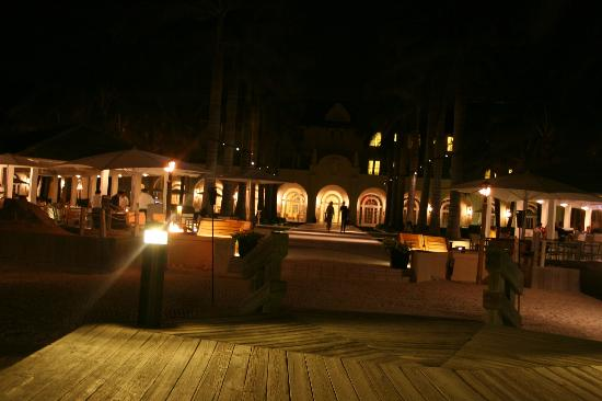 Casa Marina, A Waldorf Astoria Resort: In the evening