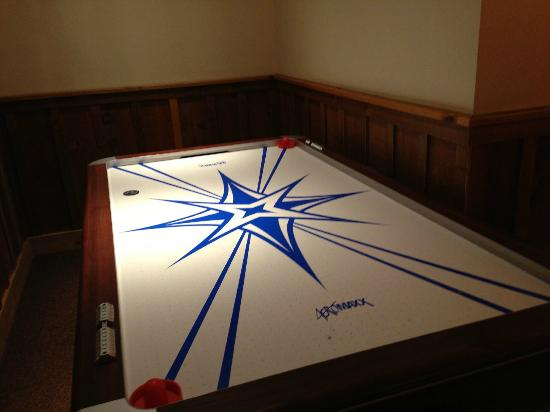 The Whiteface Lodge: Air hockey in the game room!