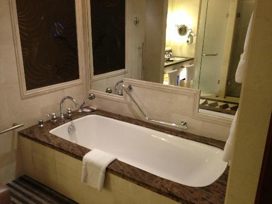 Raffles Makkah Palace : Bath