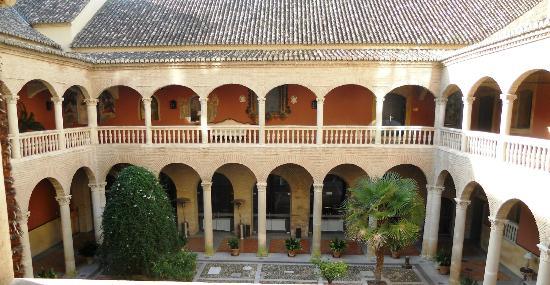 AC Palacio De Santa Paula, Autograph Collection: AC Hotel Santa Paula courtyard