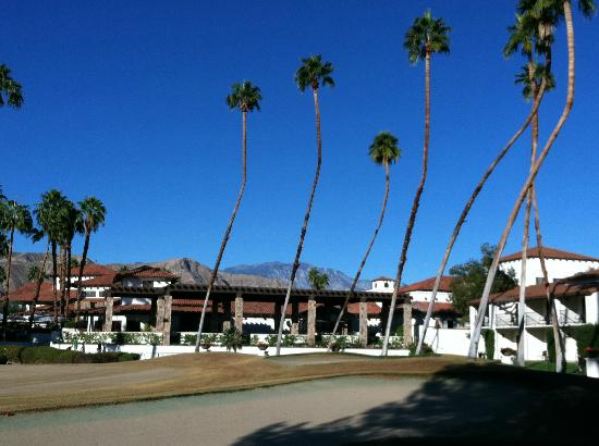 Omni Rancho Las Palmas Resort & Spa: central area looking towards main building and restaurants