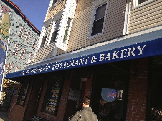 Neighborhood Restaurant: Friendly neighborhood breakfast eatery