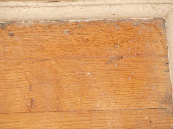 Red Crags Estates: Poussière sur le plancher