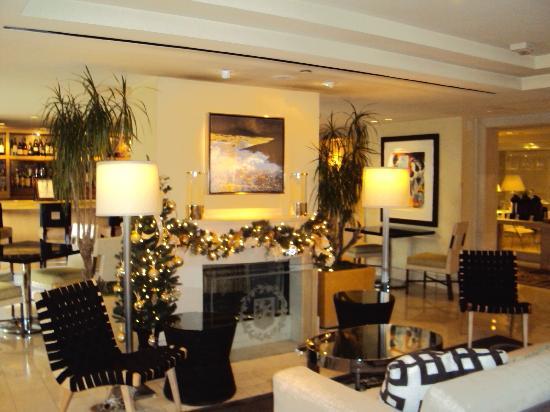 Hotel Amarano Burbank: Lobby