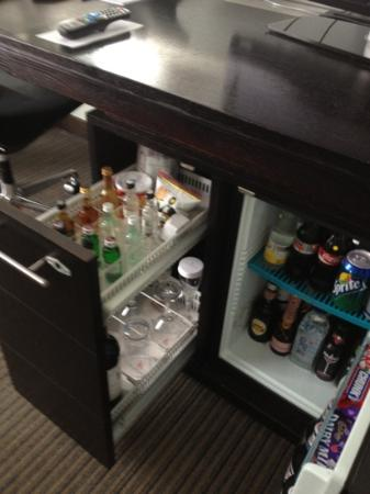 The Lowry Hotel: mini bar