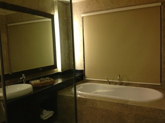 The Singhasari Resort: Deluxe Premier Bath Room With Shower And Bath Tub