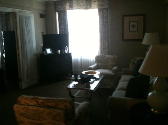 Eliot Hotel: The Living Room