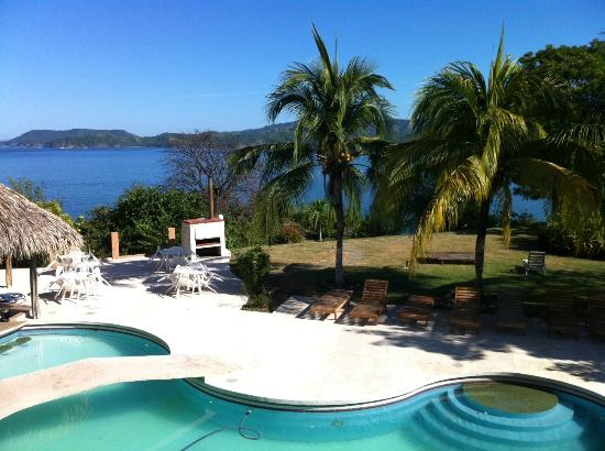 Paradise Flamingo Beach: view from our 2nd floor balcony!