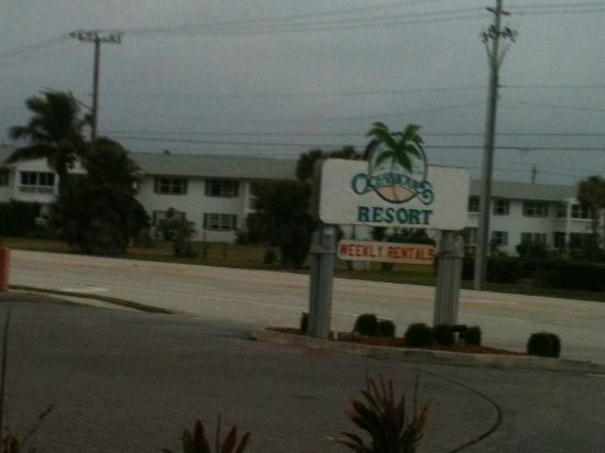 Oceanique Resort: resort sign