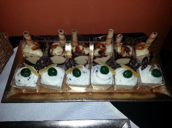 Caffe Sicilia: mini pastry