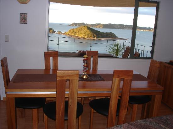 Allegra House: dining table - for breakfast if you prefer this to outside on the balcony