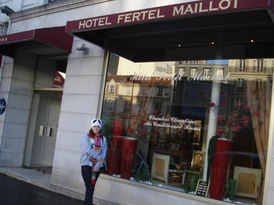 Fertel Maillot: Frente do hotel