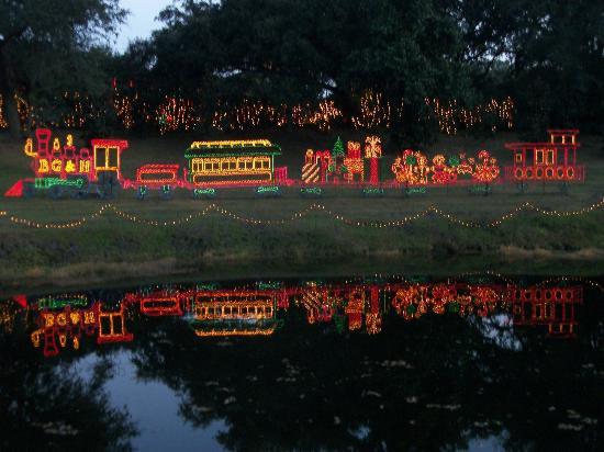Bellingrath Gardens and Home: Christmas lights display at Bellingrath Gardens