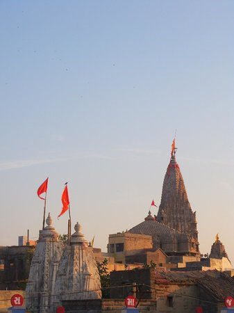 ‪Dwarkadhish Temple‬
